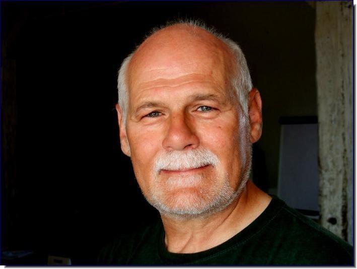 Dr. Erik W. Born
