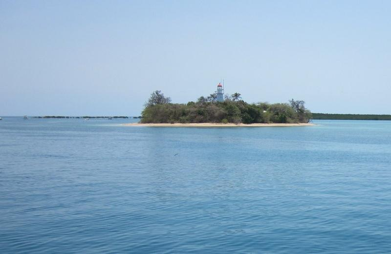 "The Low Isles off the coast of Port Douglas where the Air Ambulance met with Steve Irwin's research vessel ""Croc One"" after he was fatally attacked by a Australian Bull Stingray at Batt Reef in 2006."